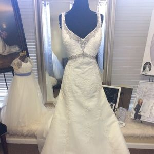 Ivory Lace Wedding Wedding Dress